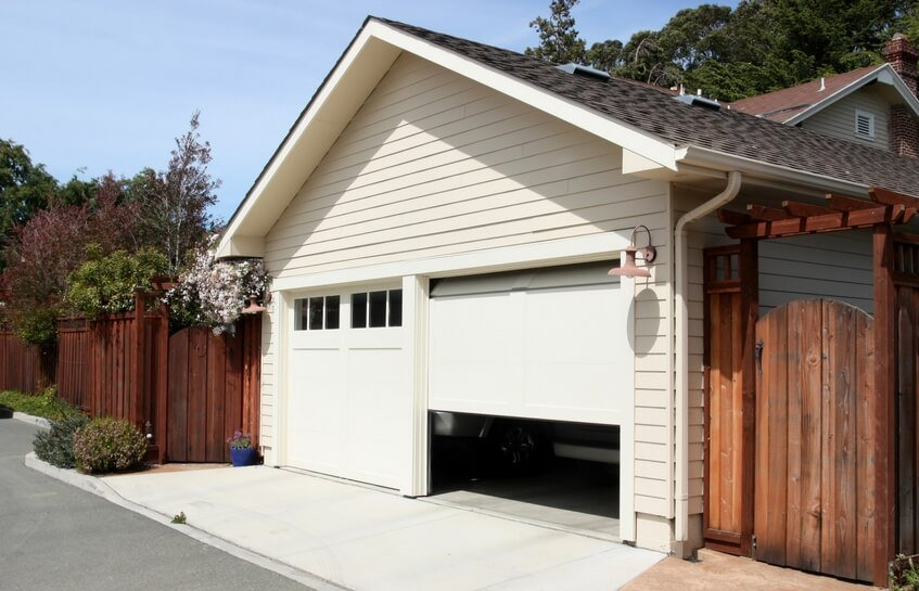 garage door won't close call: (346) 298-1690
