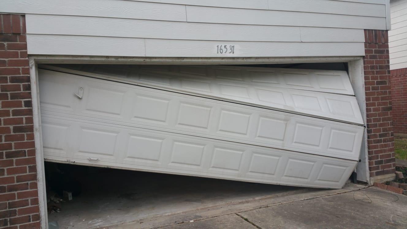 emergency garage door repair for off track door